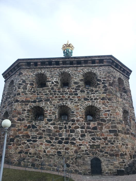 This is the Skansen Kronan, which meets us at the top of the stairs in the last picture. There is a second building like this, only that one has a lion on top where the crown is. We passed it on the train into the city but I was too slow with my camera.